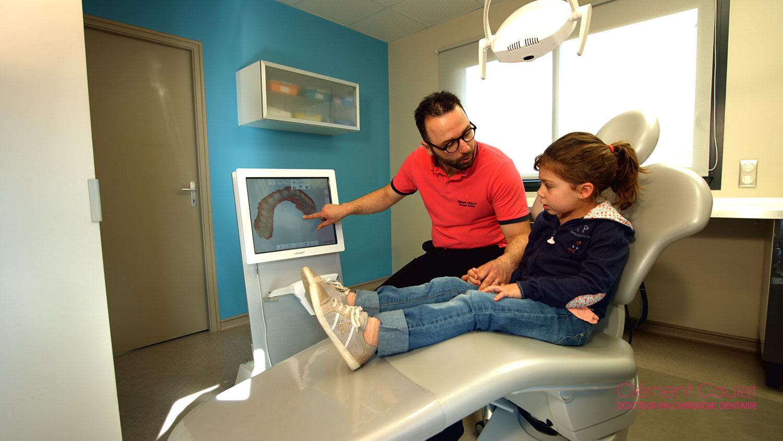 Accompagnement dentaire à Rodez avec le dentiste Clément Caulet